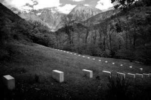 Edge-Stone, Vière et les Moyennes Montagnes, hameau de Vière, Prads-Haute-Bléone, 2011 / crédit Richards Nonas
